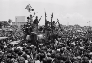 Entrada em Manágua das forças sandinistas triunfantes, em 17 de julho de 1979