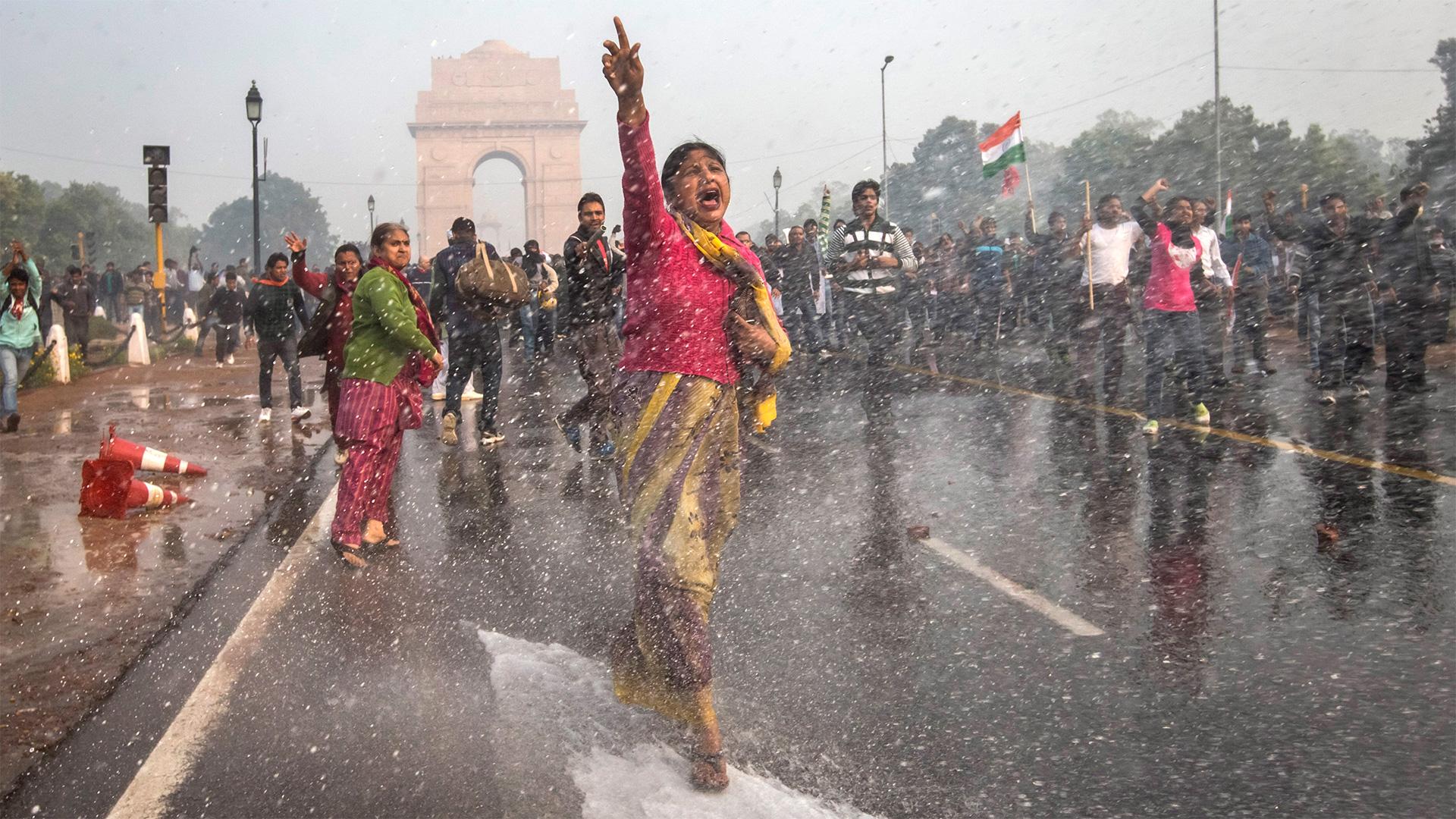 """""""Eu também sou cidadã de Delhi. Eu sou uma garota. Eu me sinto segura quando ando à noite? Não, eu não e nenhuma garota que está andando nas ruas de Delhi. É isso que temos que mudar. """""""