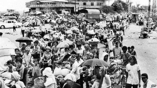 vacuação forçada de Phnom Penh, em abril de 1975