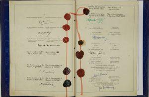 >A Convenção Europeia sobre Direitos Humanos entrou em vigor em 1953, tornando legalmente compulsórios diversos direitos proclamados pela Declaração Universal de 1948