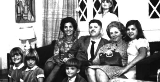 O deputado Rubens Paiva, com sua família