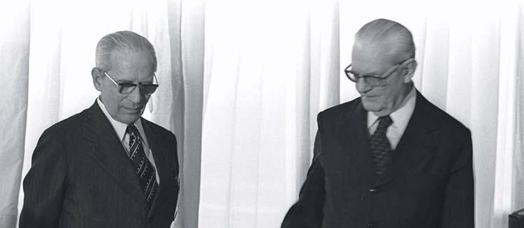 Os generais Ernesto Geisel e Golbery do Couto e Silva (à esquerda)