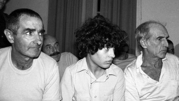 José Mujica (à esquerda) com dois outros presos tupamaros