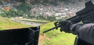 Imagem do vídeo divulgado pelo governador Wilson Witzel, quando o helicóptero sobrevoava Angra dos Reis