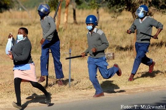 Polícia persegue enfermeira
