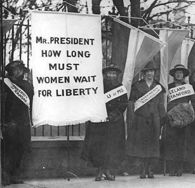 Mulheres em campanha pelo voto