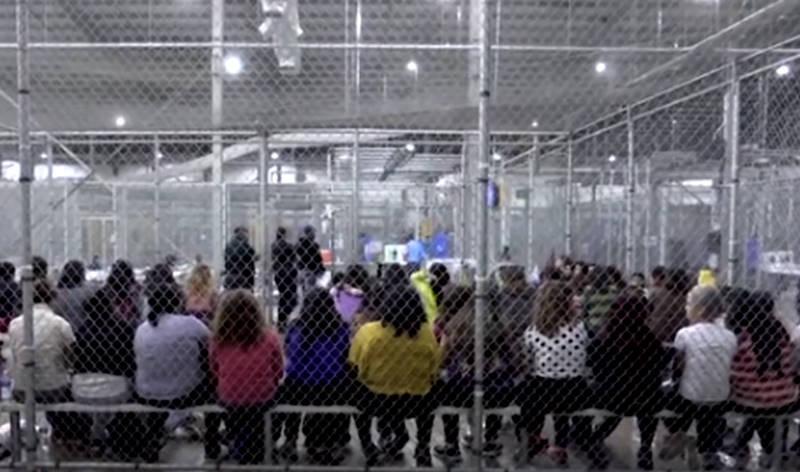 Crianças presas na ICE