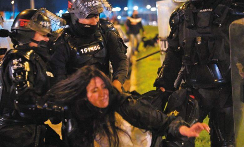 repressão policial contra mulher