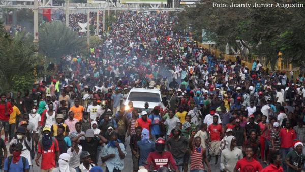 protestos em Porto Principe 2019